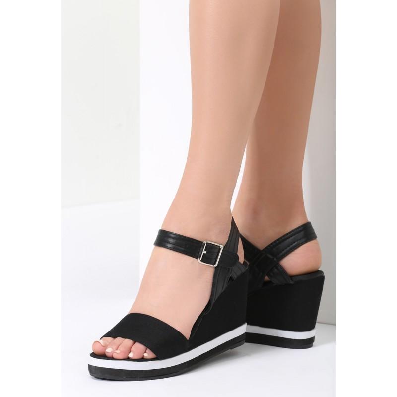 25caf362f7 Čierne sandále na platforme
