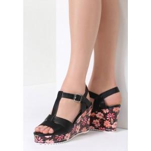 Dámske letné sandále čiernej farby s kvetmi
