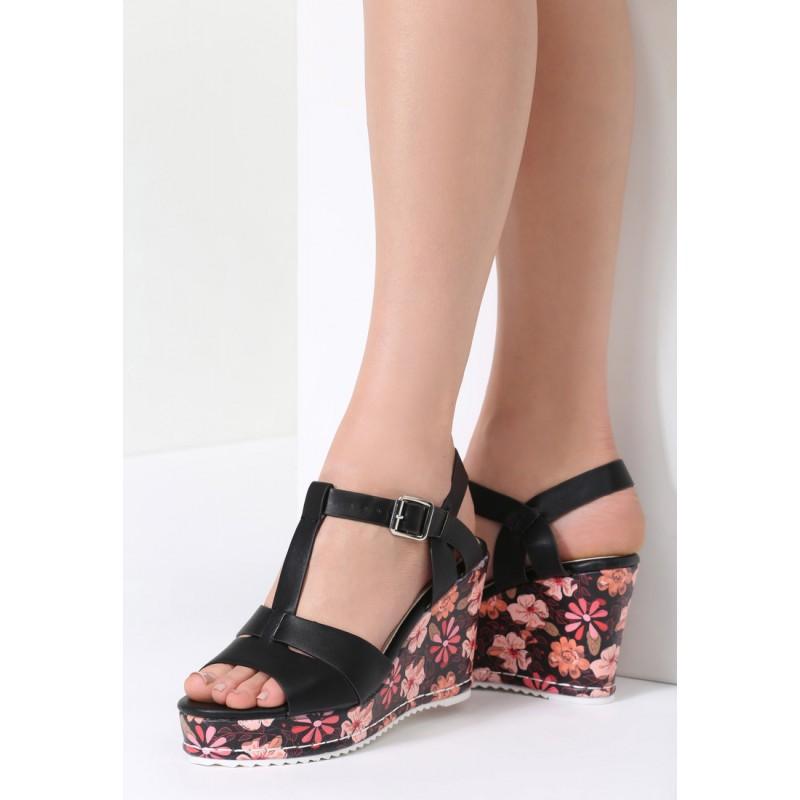 17a13b47014a Dámske letné sandále čiernej farby s kvetmi