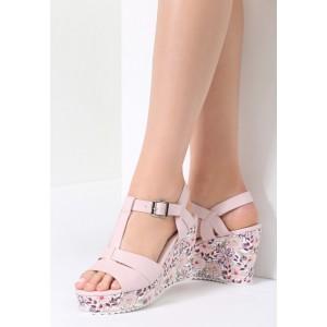 Ružové sandále na platforme