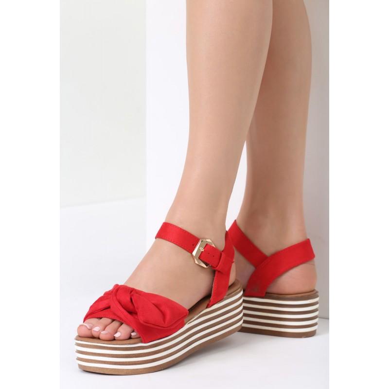b8ea5cf739 Červené sandále s platformou a mašľou