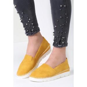 Slip on v žltej farbe