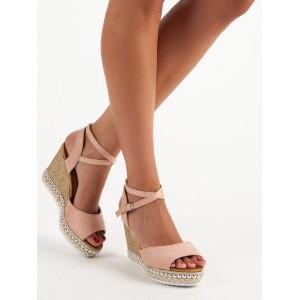 Dámske sandále na platforme ružovej farby