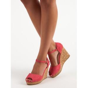 Pohodlné sandále na korkovej platforme