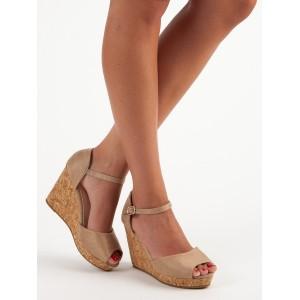Elegantné sandále na leto v béžovej farbe