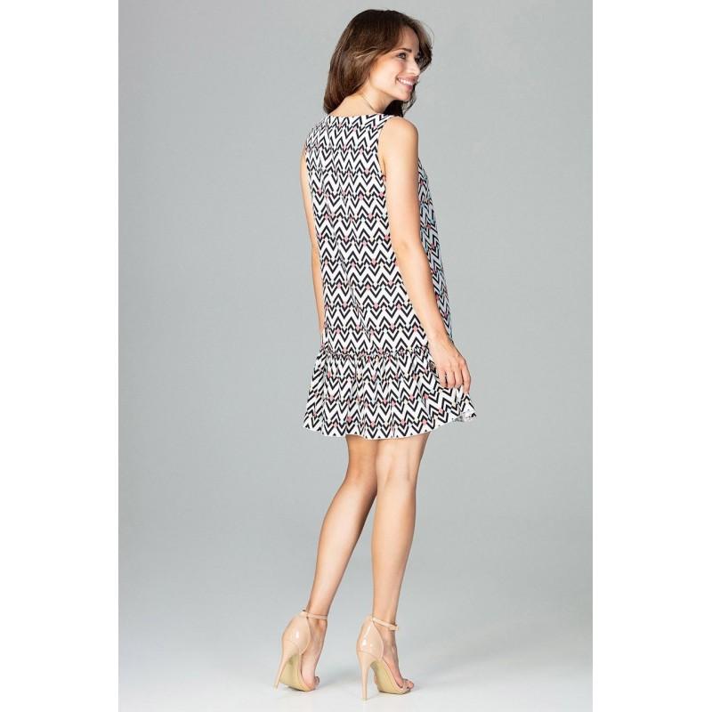 25777954c710 Áčkové šaty