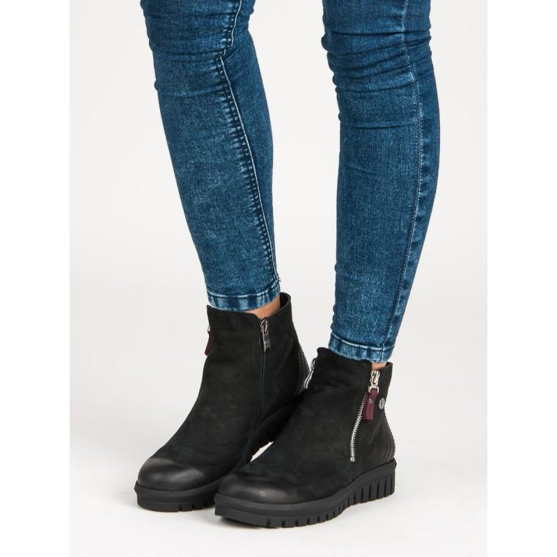 507f80688e Členkové čierne topánky na platforme