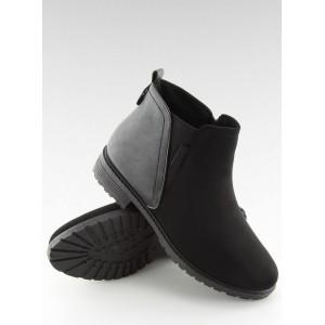 Členková obuv v čiernej farbe