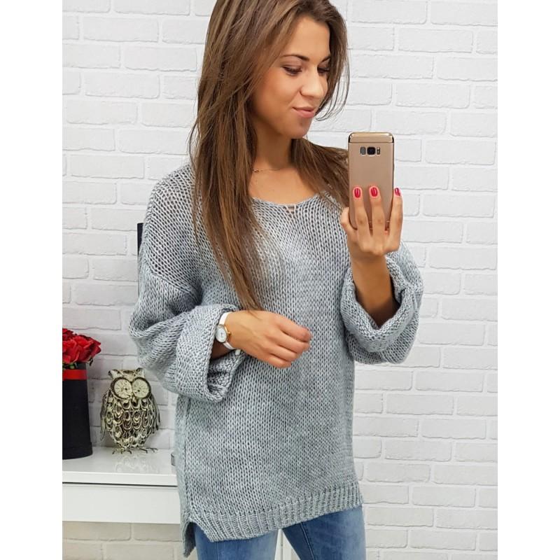 b7c5342dad43 Pletené svetríky v sivej farbe