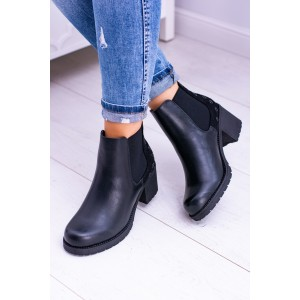 Členkové čierne topánky s gumou po bokoch
