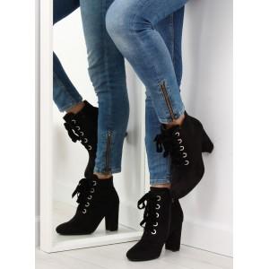 Kotníkové topánky so šnúrovaním na jeseň