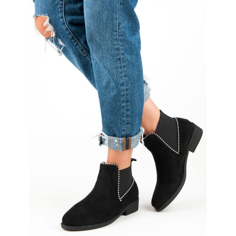 b1ba175207 Členkové topánky vybíjané čierne