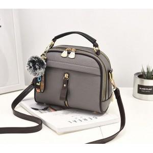 Luxusné kabelky pre dámy sivé s príveskom