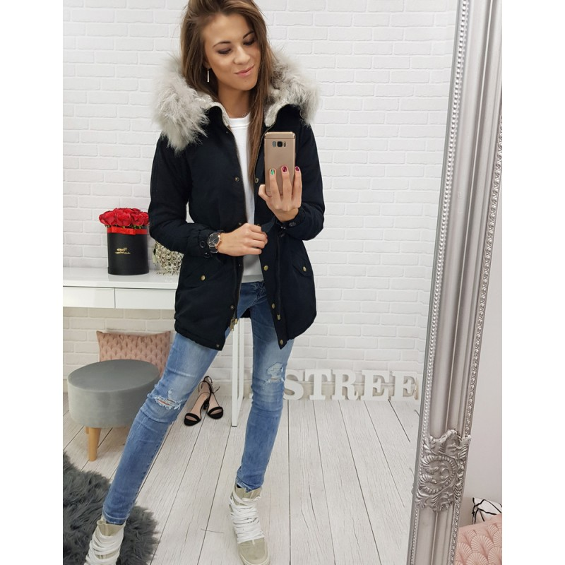 d5009945cb75 Dlhá dámska zimná bunda v čiernej farbe s kožušinou a kapucňou