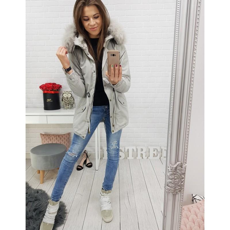 c3369ffc6824 Dámska bunda na zimu v sivej farbe s kapucňou a kožušinou