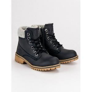 Chlapčenská zimná obuv v čiernej farbe na šnúrovanie