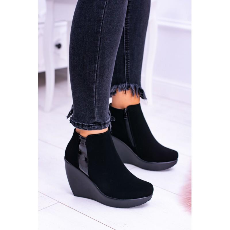 d5cd04a1a7 Členkové čierne topánky na platforme s decentným lesklým detailom