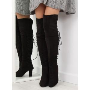 Štýlové čierne čižmy nad kolená s extravagantným šnurovaním