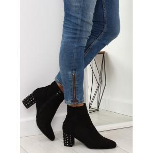 Členkové semišové dámske topánky v čiernej farbe na hrubom podpätku