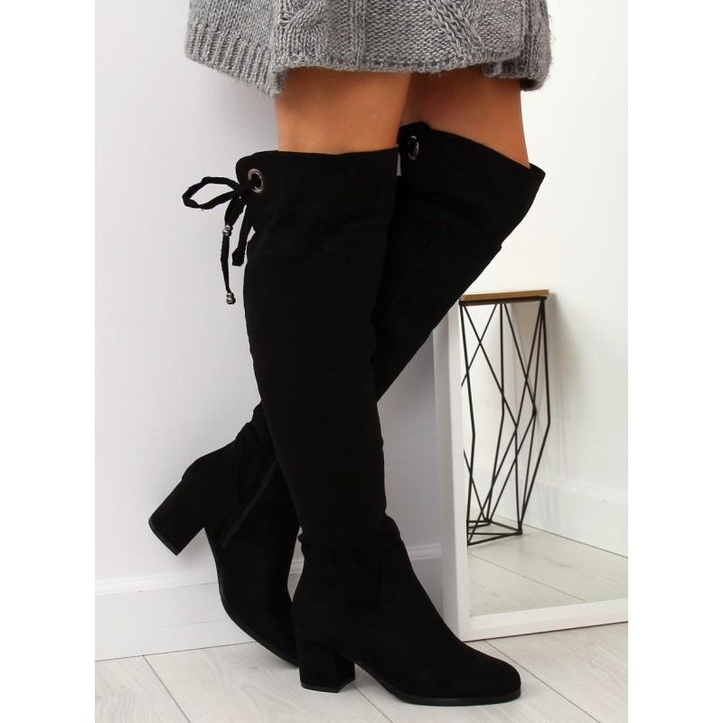 5d581517f4 Čierne semišové dámske čižmy nad kolená s trendy zadným viazaním
