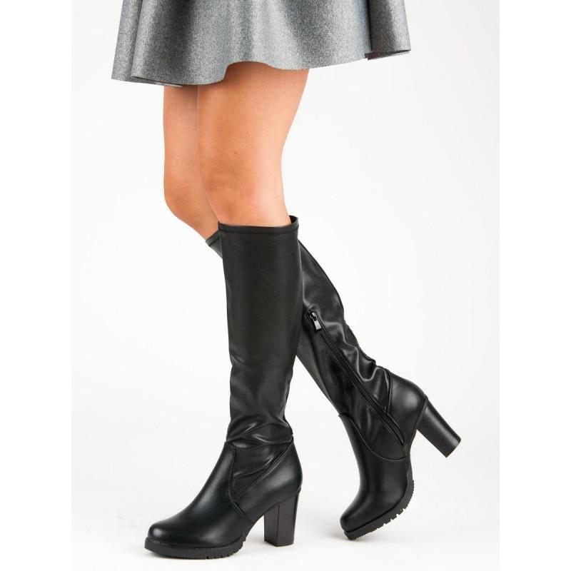 356399ac5de90 Dámske pohodlné čierne čižmy pod kolená na hrubom vysokom opätku
