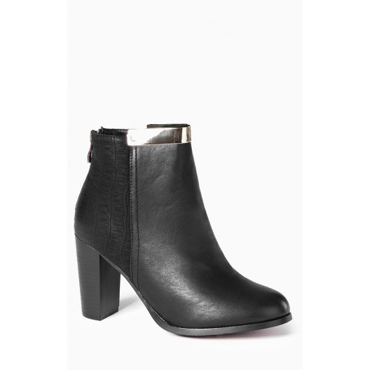 dámske topánky s hrubým opätkom čiernej farby