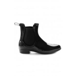 Lakované dámske topánky čiernej farby