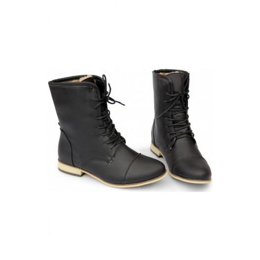 Šnúrovacia dámska obuv čiernej farby