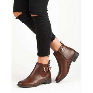 Hnedé dámske členkové zimné topánky s trendy vybíjanou prackou