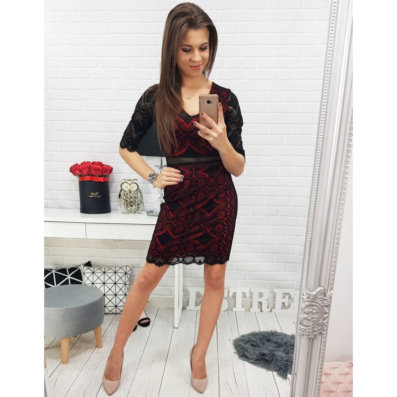 6d7e179fd84a Dámske šaty v čierno červenej farbe s čipkovaným motívom