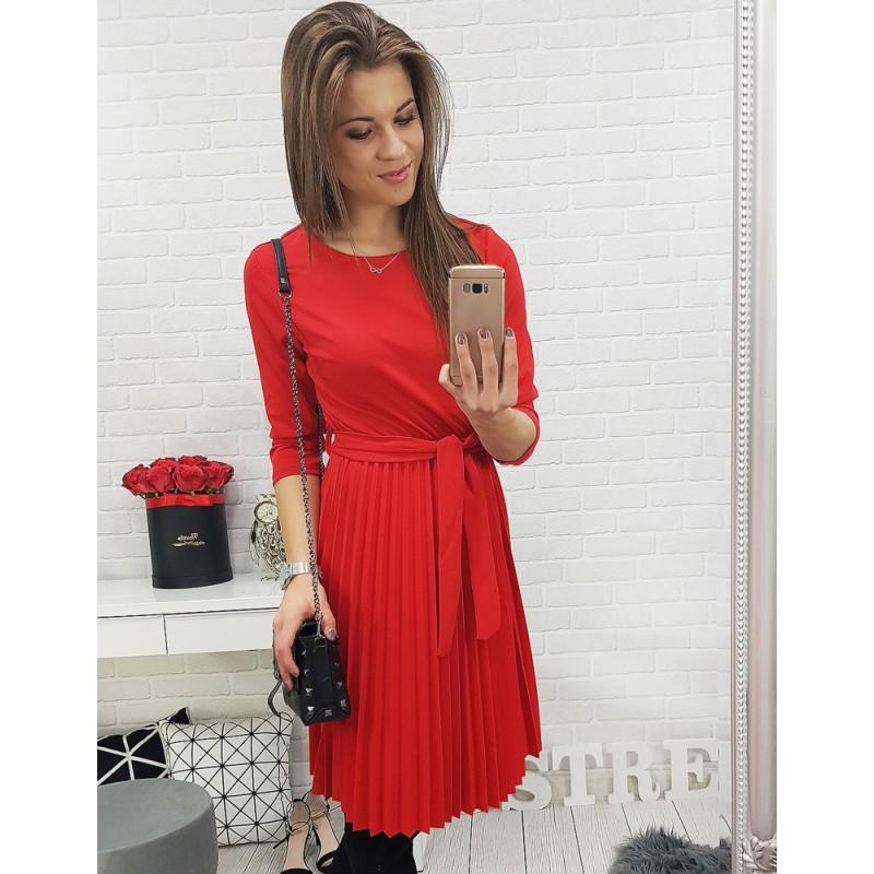 08fb5ea64042 Krásne červené šaty na formálne príležitosti