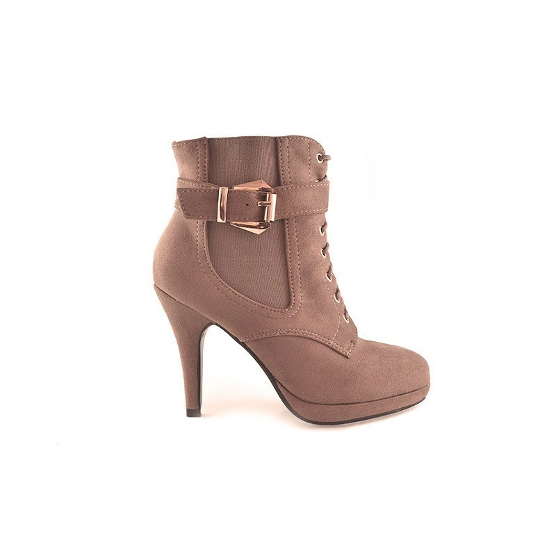 770c429540 Predchádzajúci. Trendy dámske topánky s vysokým podpätkom béžovej farby ...
