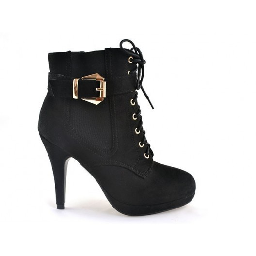 Trendy dámske topánky s vysokým podpätkom čiernej farby na platforme s remienkom