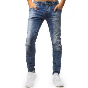 Pánske svetlo-modré jeansy s dierami na kolenách a trendy prešúchaním