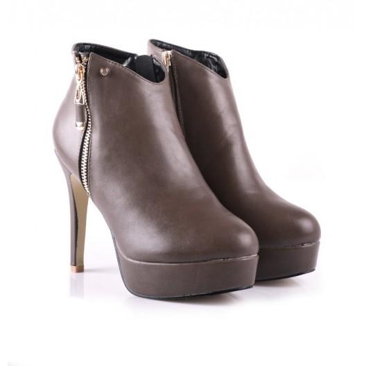 Dámske trendy topánky na vysokom podpätku  so zipsami po oboch stranách hnedej farby