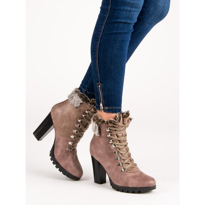 f396d4fed2 Dámske béžové topánky na zimu na vysokom opätku a trendy šnurovanie