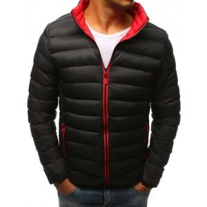 Pánska zimná prešívaná bunda v čiernej farbe s červeným zipsom a futrom