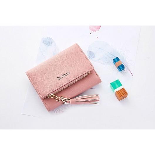 Elegantná malá dámska ružová peňaženka s ozdobným strapcom