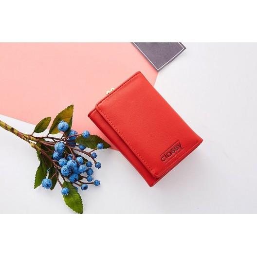 Červená dámska peňaženka s originálnym rámčekovým uzamykaním