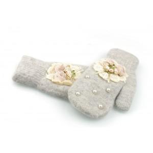 Dámske zimné rukavice s aplikáciou kvetov