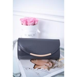 Dámska šedá lakovaná listová kabelka s ozdobnou zlatou prackou