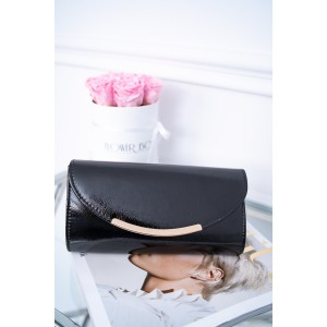 Štýlová čierna listová kabelka do ruky aj na rameno so zlatou retiazkou