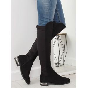 Dámske čizmy čiernej farby na nízkom podpätku