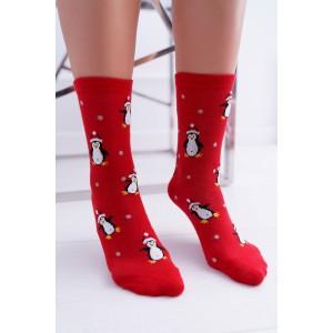 Dámske červené vianočné ponožky s motívom tučniakov