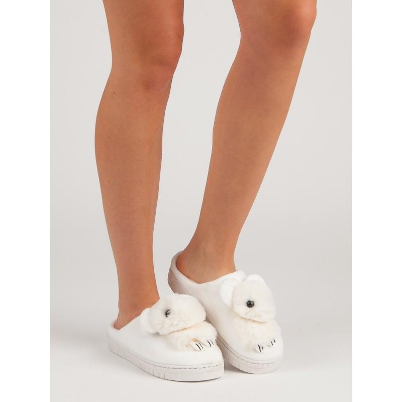 c9b324bfe099 Biele teplé dámske nasúvacie papuče na platforme s detským motívom