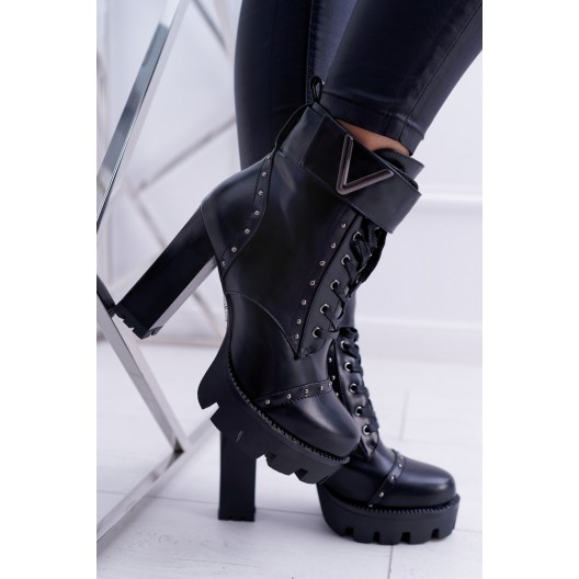 Dámske kotníkové čižmy na zimu v čiernej farbe
