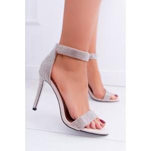 Dámske béžové sandále so zapínaním okolo členku