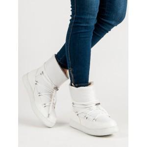 Trendy dámske biele zateplené snehule s ozdobným šnurovaním