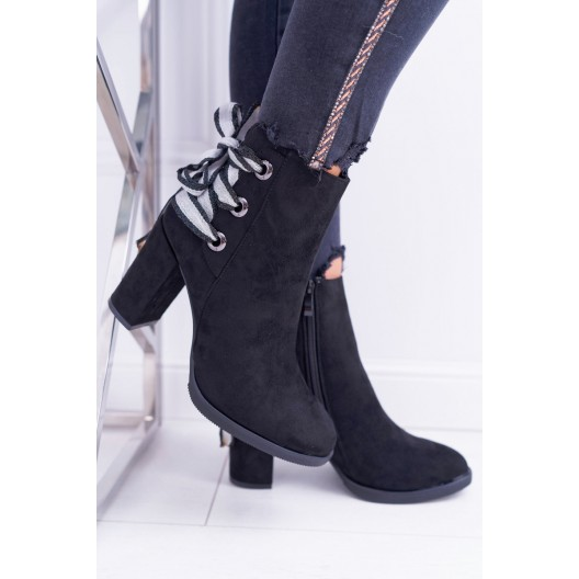Originálne dámske čierne kotníkové zimné topánky s prúžkovanou stuhou