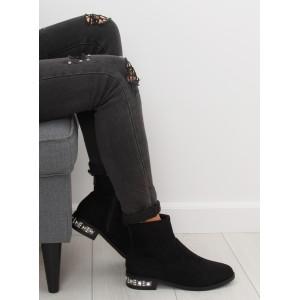 Čierne dámske členkové semišové topánky na zimu s trendy opätkom